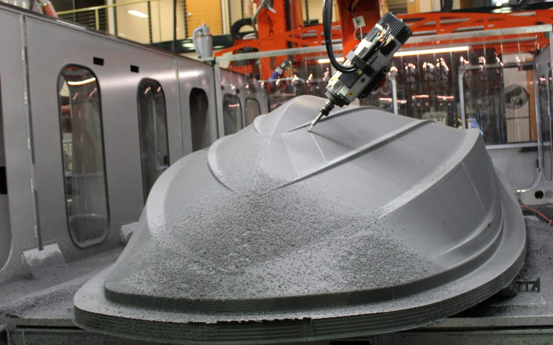 Thermwood Large Scale Additive Machine 3D prints Tahoe speedboat